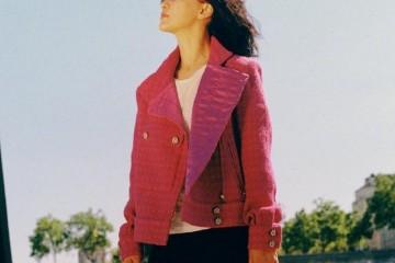 周迅自带高级感穿4万7的外套配牛仔裤复古色调下美成风景线